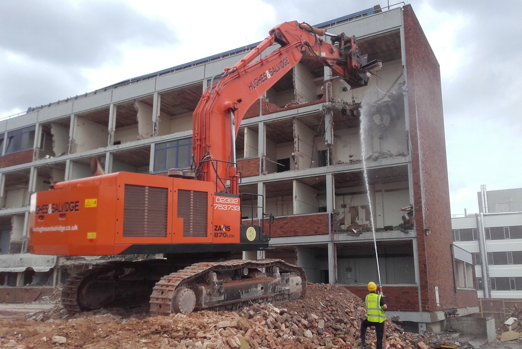 870 machine Demolition of the former Engineering Building, University of Reading