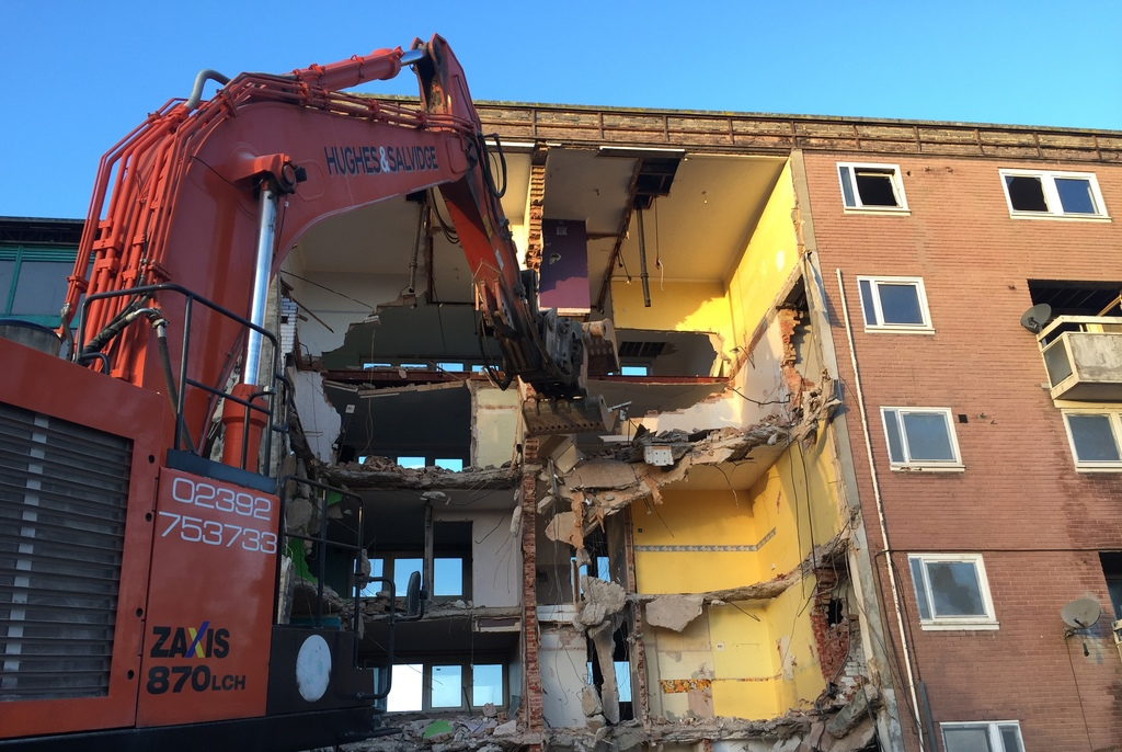 870-machine Townhill Park, Southampton – Phase 2 Demolition